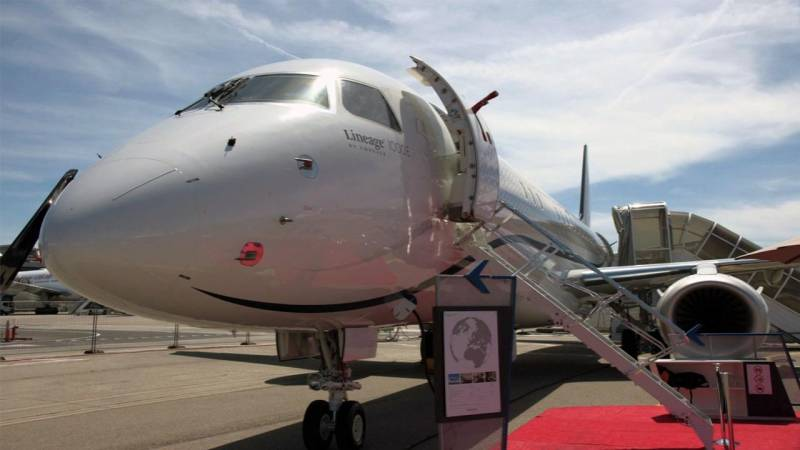 Embraer's Lineage 1000E Offers a Roomy Light-Filled Shower in the Sky