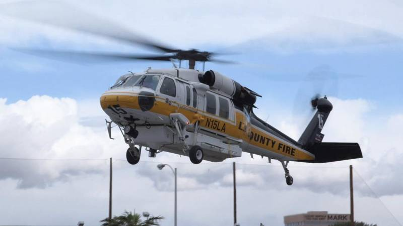 LA County Sikorsky S-70 Firehawk Flies into Las Vegas for Heli-Expo 2018